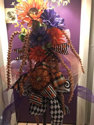 Halloween or thanks giving for Sale in Montclair, CA