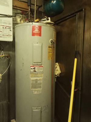 $350 water heater work good for Sale in Hampton, VA