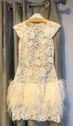 Jovani white lace dress size 6 for Sale in Los Angeles, CA