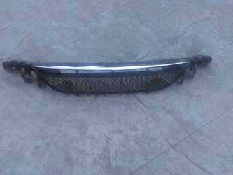 Mercedes benz w213 front bumper grill for Sale in Whittier,  CA