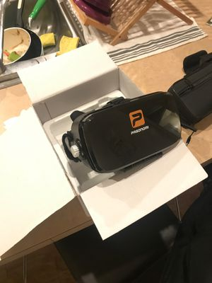 VR headset for Sale in Ravenna, OH