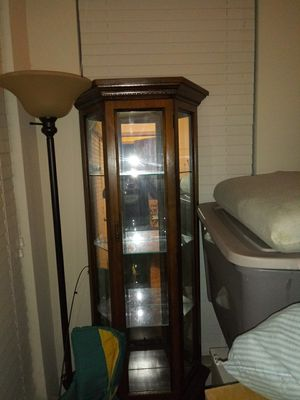 Curio cabinet for Sale in Columbia, MD
