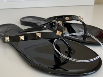 Womens Black Studded Flip Flops for Sale in Orlando,  FL