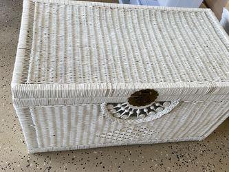 Wicker Trunk for Sale in Cape Coral,  FL