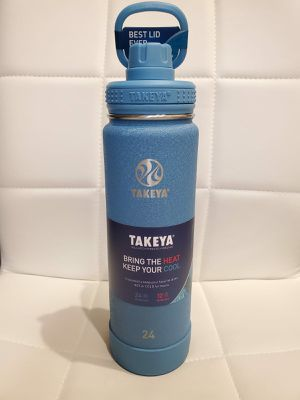Takeya water bottle 24 oz - authentic - blue AZURE color for Sale in Chino Hills, CA