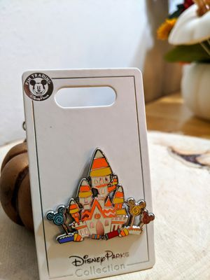 New 2020 Disney Parks Candy Corn Castle Halloween Pin for Sale in San Jose, CA