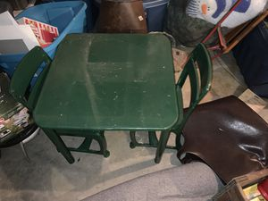 Metal table and chairs for Sale in Pleasant Hill, MO