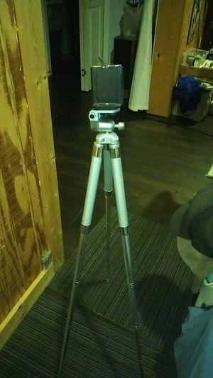 Adjustable tripod for Sale in Milton, FL