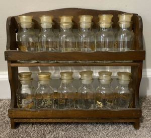 VINTAGE COLLECTIBLE WOOD SPICE 2 TIER WALL MOUNT HANGING RACK & 12 GLASS SPICE BOTTLES WITH LID HOME DECOR ACCENT for Sale in Chapel Hill, NC