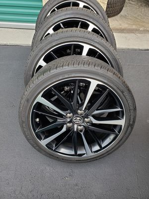 "Set of 4 (19""x8"") Toyota Camry XSE rims and Bridgestone Turanza 235/40R19 (black lug nuts included) no trades accepted for Sale in Fort Lauderdale, FL"