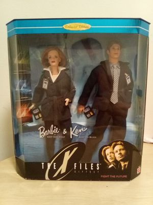 Barbie Collectors XFiles Agent Scully and Agent Mulder for Sale in Chicago, IL