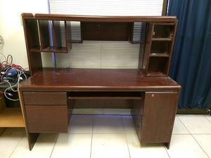 Faux cherry wood computer office desk for Sale in Las Vegas, NV