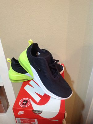 New/never worn: Men's NIKE tennis shoes. Size 9 for Sale in Pine Grove, LA