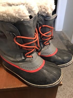 Kids snow boots size 6 for Sale in Tooele, UT