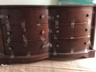 Dresser With Mirror for Sale in Derwood,  MD