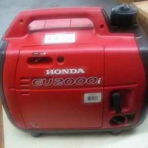 HONDA EU 2000i GENERATOR for Sale in Fresno, CA