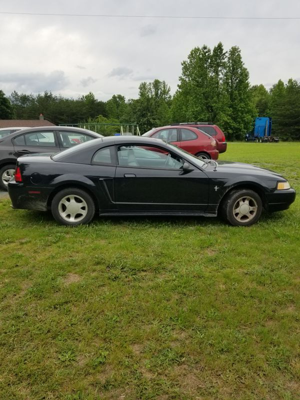 (Reduced!) 2000 Ford Mustang