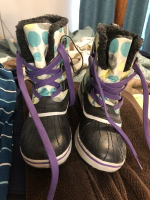 Kids snow boots size 1 for Sale in Chuluota, FL