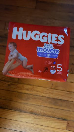 3 PACKAGES DIAPERS HUGGIES LITTE MOVERS SIZE 5 for Sale in Adelphi, MD