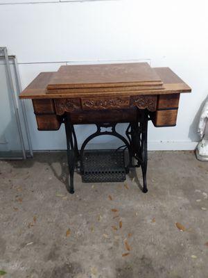 1903 Raymond treadle sewing machine for Sale in Largo, FL
