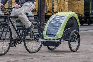 Burley Minnow, 1 Seat Kids Bike Trailer for Sale in Orlando, FL