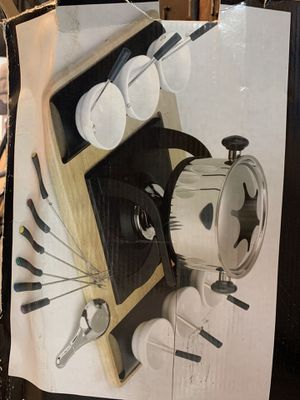Serve at home 26-piece Deluxe Fondue Set - NEW UNOPENED for Sale in Miami, FL