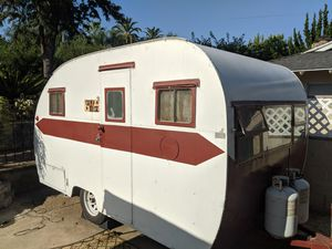 Vintage Camper Trailer for Sale in Vista, CA