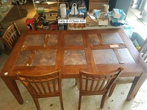 Table & 4 Chairs $30 for Sale in Dresden, OH