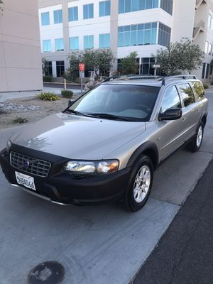 2004 VOLVO XC70 AWD well maintained CROSSOVER for Sale in Phoenix, AZ