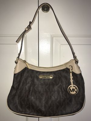 e71ae6879dead7 Michael Kors Purse - Medium Brown Crossbody for Sale in Houston, TX ...