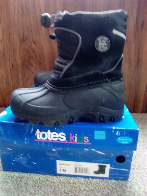 TOTES Kids black snow boots size 1 for Sale in Perris, CA