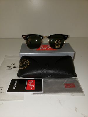 Ray Ban Classic Clubmaster RB3016 size 51mm (UNISEX) Glossy black frame & black lenses Authentic & Brandnew Deadstock never been worn for Sale in National City, CA