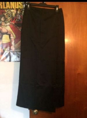 Express Long Black Thick silk Outer Skirt for Sale in Milnesville, PA