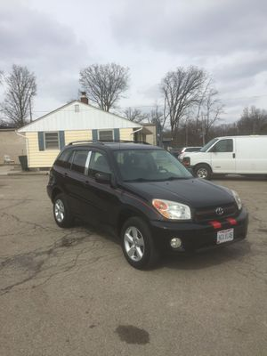 2005 Toyota RAV4 for sale rebuilt title for Sale in Columbus, OH