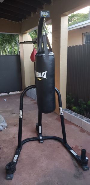 Punching bag with speed bag almost new for Sale in Miami, FL