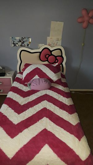 Hello kitty bedroom set for girls for Sale in Norwalk, CA