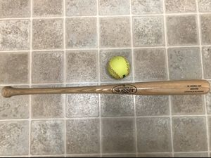 LOUSVILLE SLUGGER BASEBALL BAT WITH TRAINING BASBALL ONLY 20 DOLLARS!! for Sale in Tampa, FL