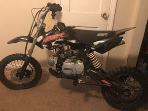 125 pit bike new brakes front/ back new handle grips new tires Carburetor has to be clean to ride sellin as is for Sale in Adelphi, MD