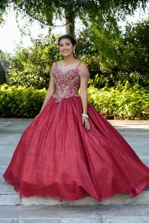 Red and gold Sweet Sixteen/quinceanera dress willing to novitiate price for Sale in Rancho Cucamonga, CA