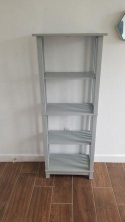 Small Gray Wooden Shelf. for Sale in Cedar Creek,  TX