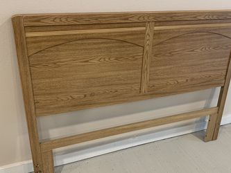 Queen Headboard And Bed Frame for Sale in Lady Lake,  FL