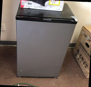 Frigidaire B5 for Sale in Fullerton, CA