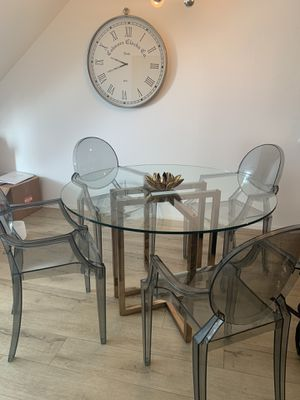 """CB2 dining room table & 4 Acrylic """"Ghost"""" chairs for Sale in Beverly Hills, CA"""
