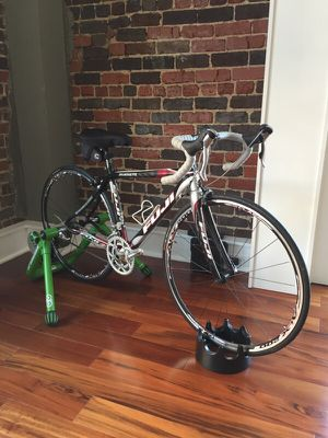 Like new Women's Fuji silhouette road bike 44 cm for Sale in Knoxville, TN