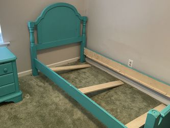 Kids Twin Frame And Night Stand for Sale in La Vergne,  TN