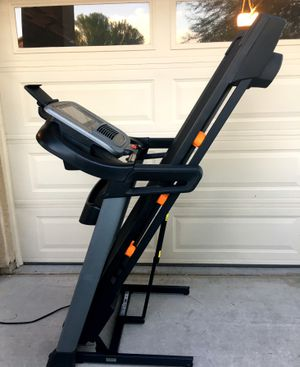 NordicTrack C 1650 Treadmill for Sale in Surprise, AZ