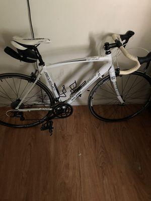 Raleigh Road bike for Sale in Las Vegas, NV