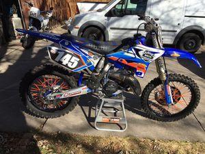 2005 YZ 125 dirt bike for Sale in Denver, CO