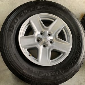 Jeep Wheels w/ Tires 245/75/17 for Sale in Ashburn, VA