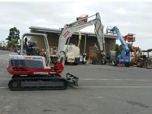 2013 Takeuchi Mini Excavator PRICED REDUCED for Sale in Costa Mesa, CA